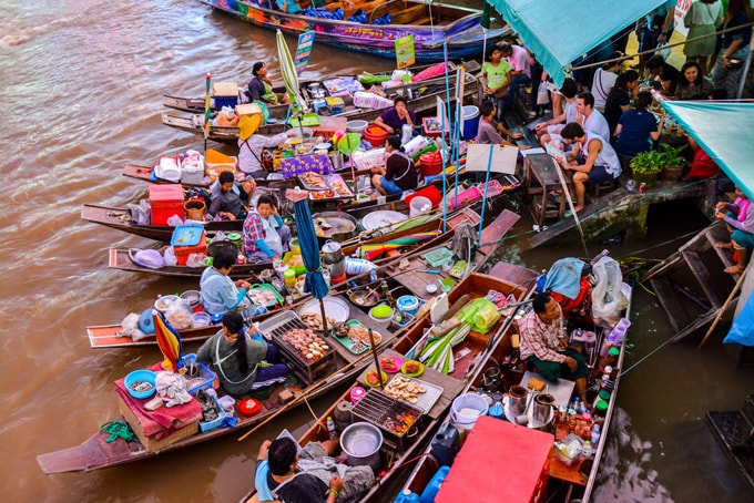 amphawa-floating-market-min