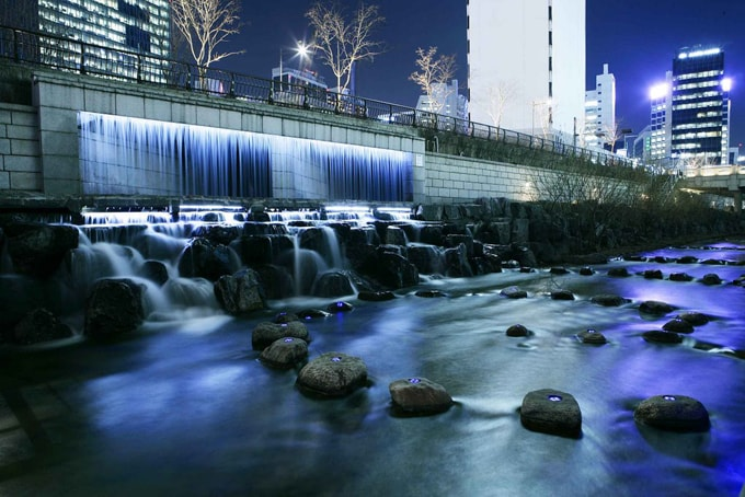 Cheonggyecheon1-min