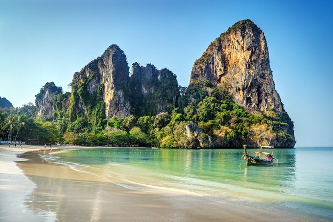 railay-beach-min