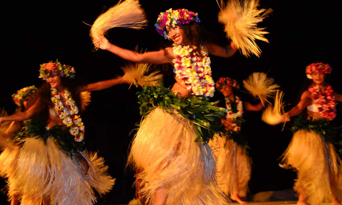 polynesian-dancing-showing